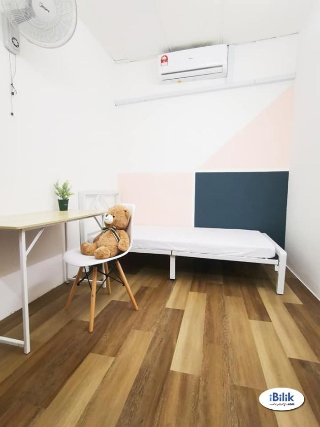 Middle Room at TTDI- Kuala Lumpur