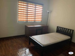 Room Rental in Selangor - Middle Room at Cyber Heights Villa, Cyberjaya
