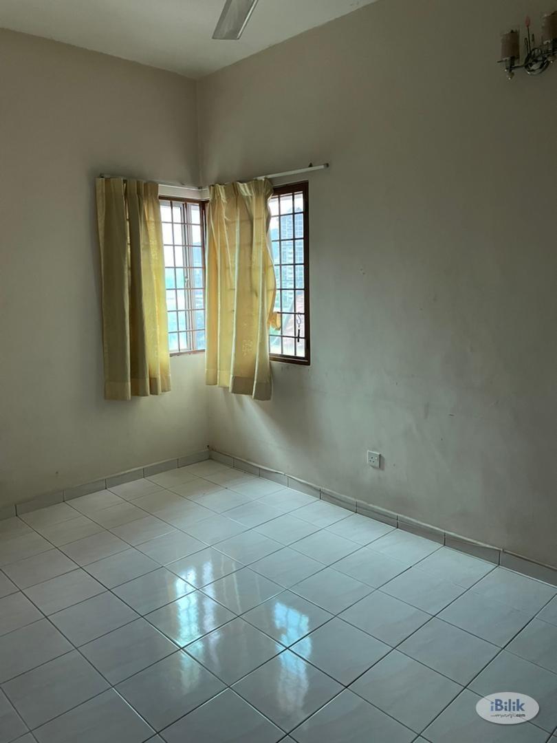 Middle Room at Wangsa Metroview, Wangsa Maju