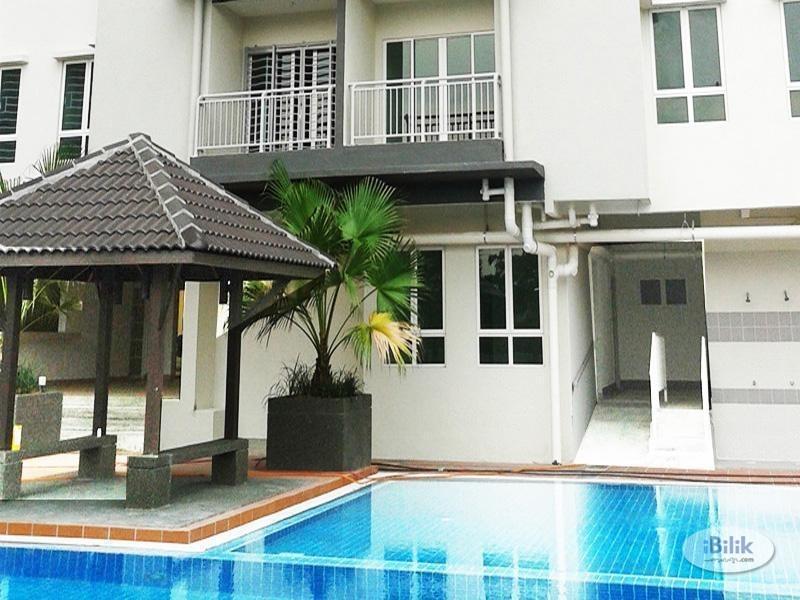 [LRT] Aircond Master Room , 3 minutes walking distance to Station LRT Cheras, Seri Puteri Condominium