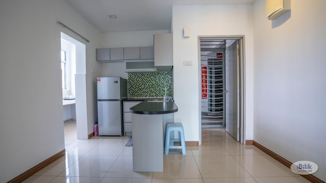 [LRT] Aircond Single  Room , 3 minutes walking distance to Station LRT Cheras, Seri Puteri Condominium