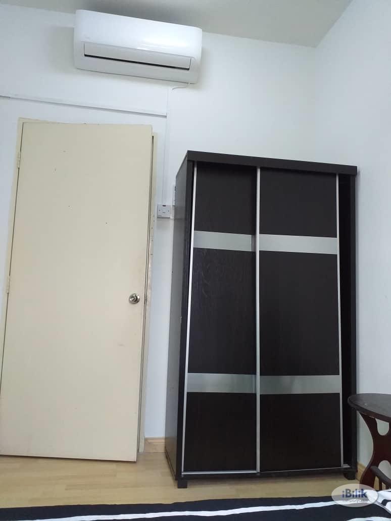 [LRT] Aircond Medium Room, Putra Suria, 5 minutes walk to LRT Station Cheras, Utilities Included, Putra Suria Residensi
