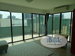 Room Rental in  - Studio Unit /Walk-Up Apartment/1 Person Stay Only/No Owner Staying/Near Lavender MRT  /Bugis MRT / Immediate Available/ Unfurnished unit