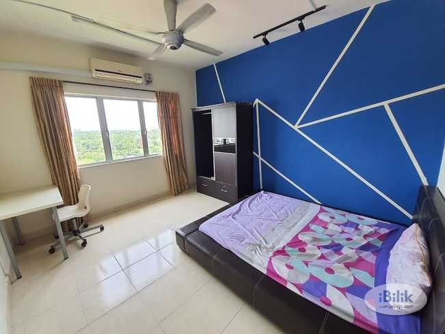 comfy Middle Room at Suriamas Condominium- Bandar Sunway- Petaling Jaya