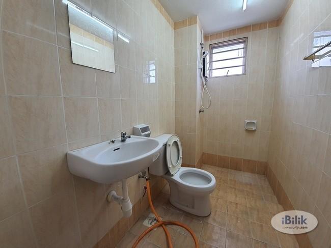 (FEMALE ONLY)  Medium Room- Suriamas Condoat Jalan PJS 10- bandar sunway (new room)
