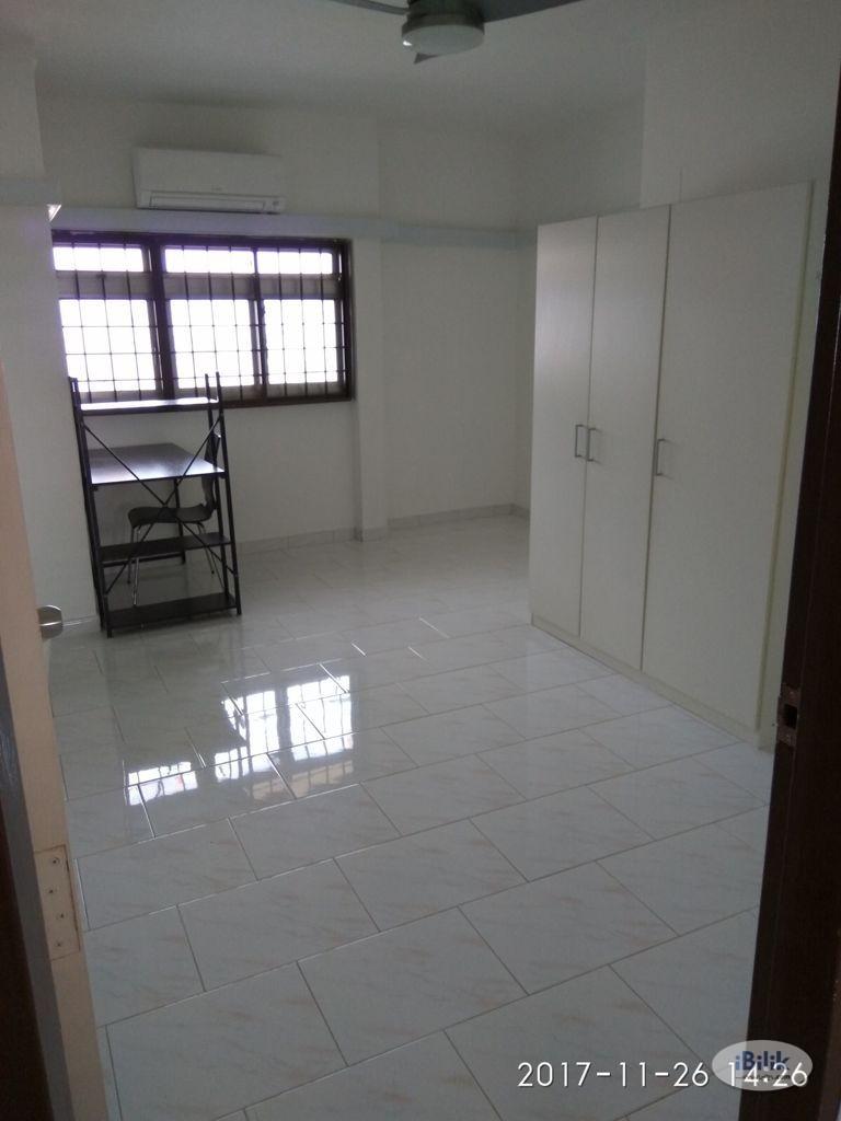 Single Room at Ang Mo Kio, Singapore