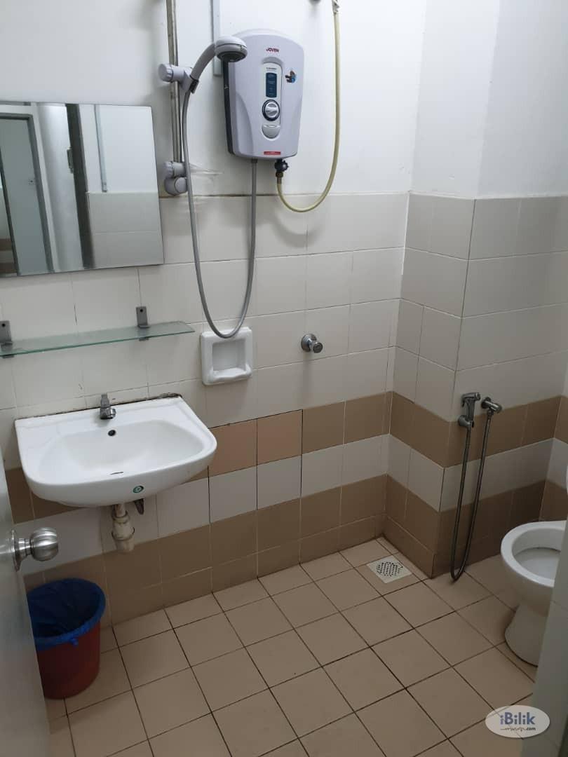 Single Room at Residensi Laguna, Bandar Sunway