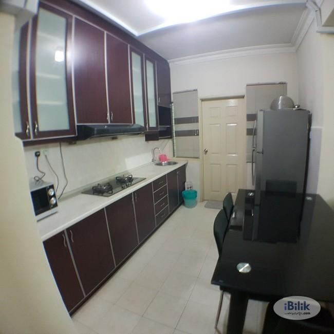 RENT ZERO DEPO Sunway Suriamas Condo Medium Room near Sunway Pyramid- BRT- KTM- Mentari PJS10