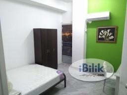 Room Rental in  - comfortable Middle Room - Ridzuan Condo Bandar Sunway near Sunway Pyramid With WIFI