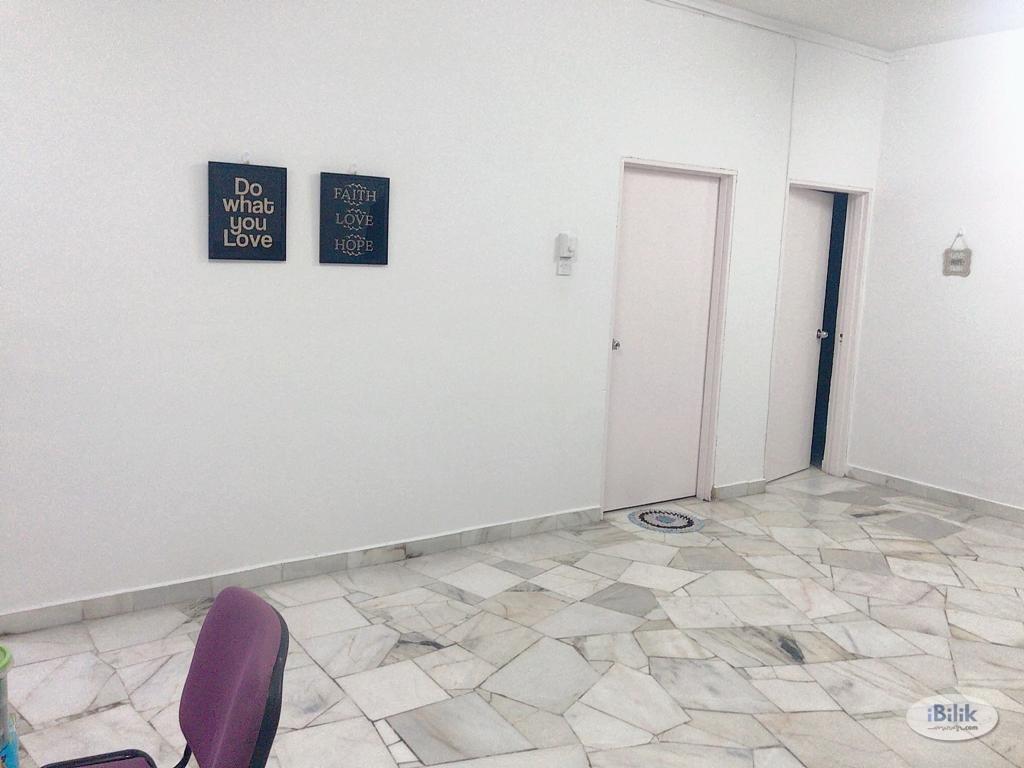 Single Room at Lagoon Perdana, Bandar Sunway_Female Unit