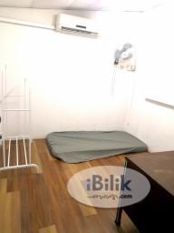 Room Rental in Subang Jaya - 0️⃣Deposit✨Include Utilities✨Middle room for rent at Subang USJ 6🚶♂️2min walk to LRT USJ 7🚗4min drive to Damen/Submit/USJ Taipan/Segi College 🌟