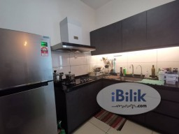 Room Rental in Kuala Lumpur - Middle Room @ Parkhill Residence Bukit Jalil  next to LRT APU IMU