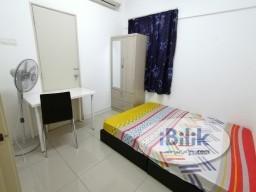 Room Rental in Malaysia - ==5min walk to LRT==Medium Room at Bukit Jalil