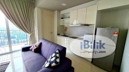 Room Rental in Selangor - Middle Room to Rent with Carpark