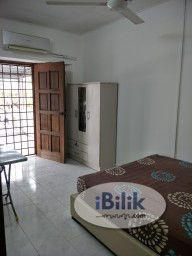 Room Rental in Petaling Jaya - [Private Bathroom+Balcony] Master Bed Room For Rent at PJS 10/16