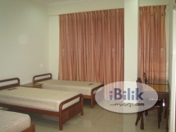 Room Rental in Singapore - No owner staying! Master room at Cambridge road for rent! Aircon wifi!