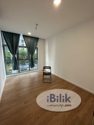 Room Rental in Selangor - Middle Room at LakeFront Residence, Cyberjaya