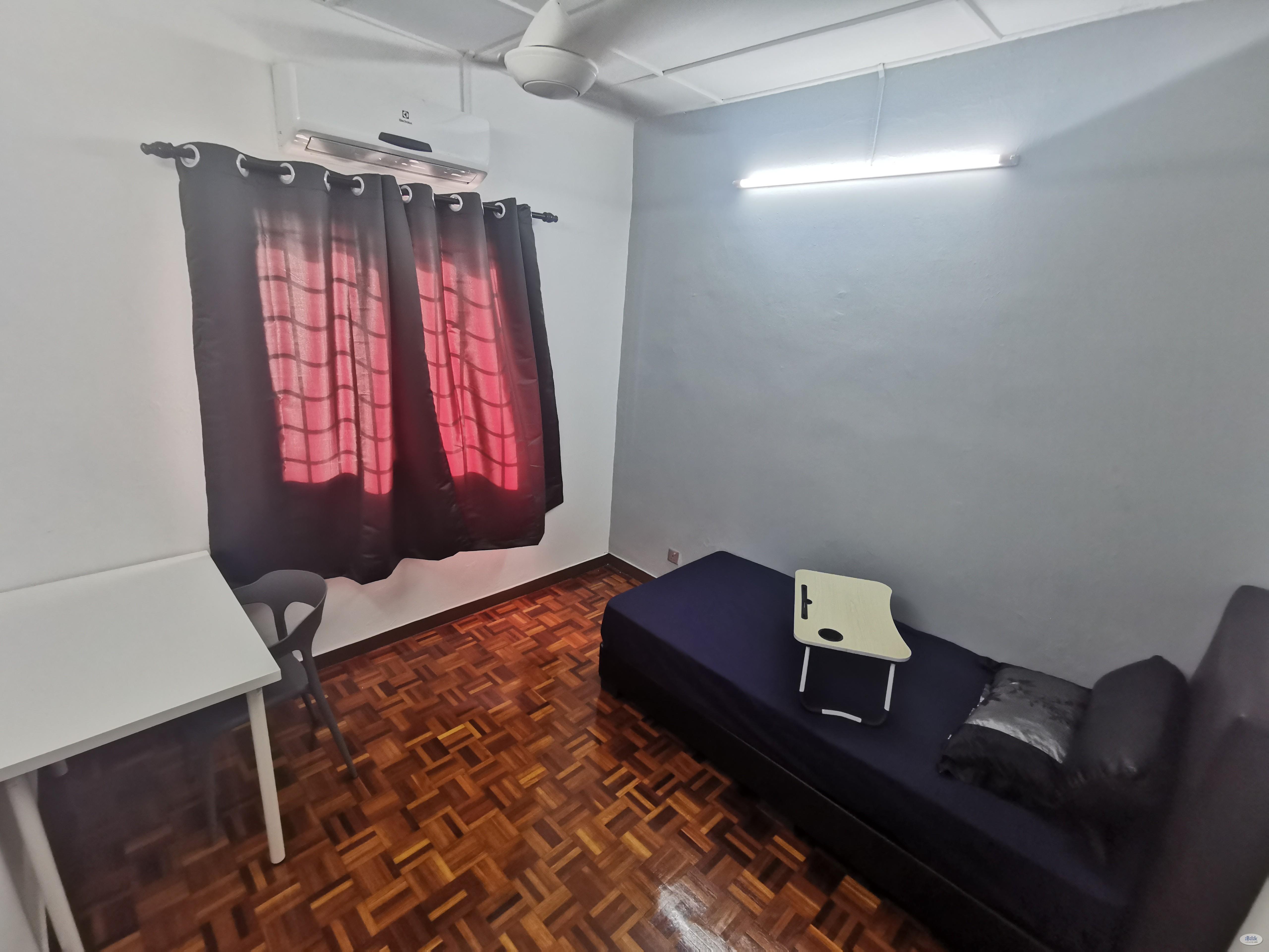 Room - Shared House at Subang Jaya, Selangor
