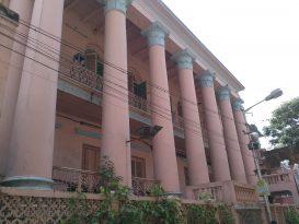 The grand entrance to the Pathuriaghata Ghosh mansion Photo Courtesy : Supriyo Dutta
