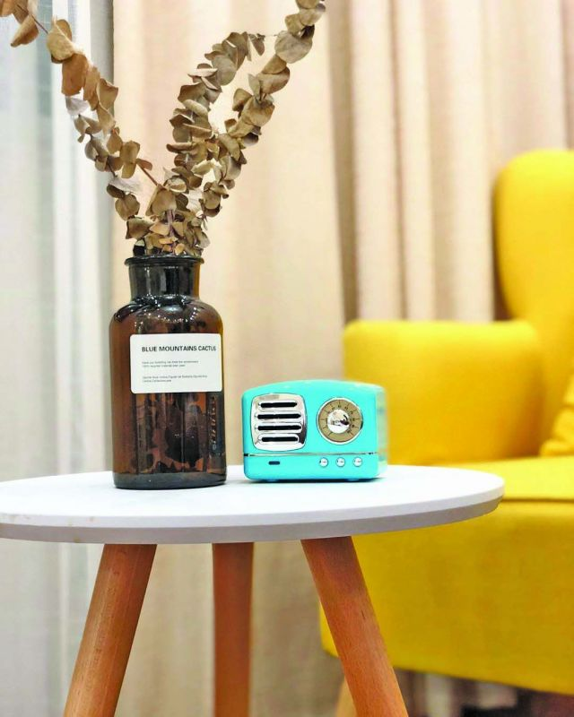 Retro bluetooth speaker by @wanderlustbysahiba