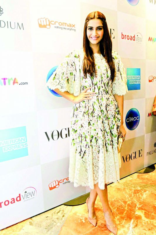 Sonam Kapoor makes a statement in this lace-y number!