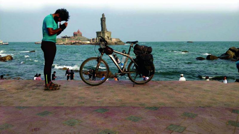 Anil pays respect to the Thiruvalluvar Statue at Kanyakumari