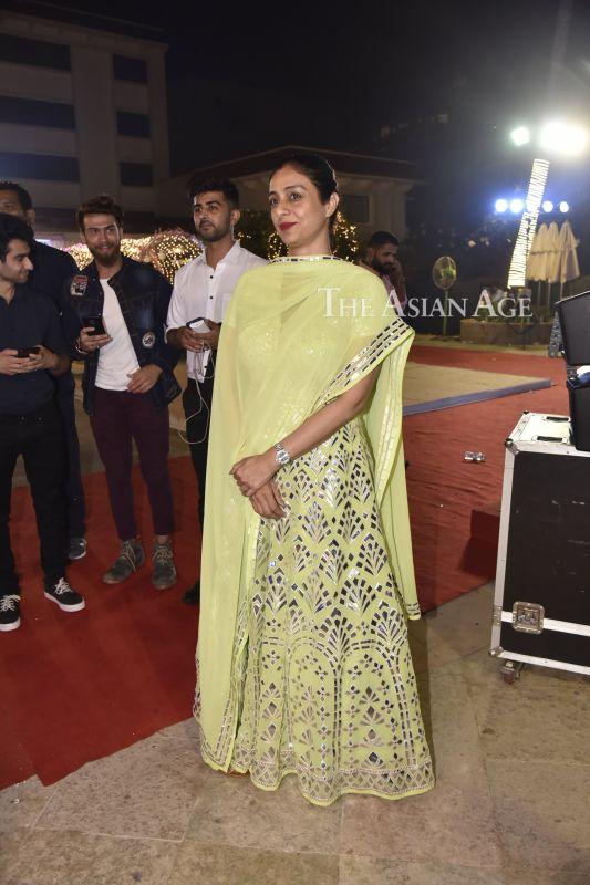 Tabu, other stars in attendance as Om Shanti Om girl ...