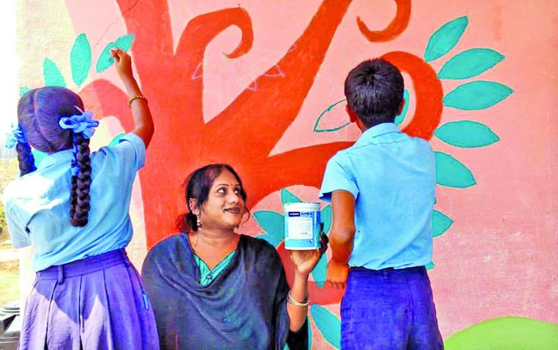 Shanthi during an art session with school kids