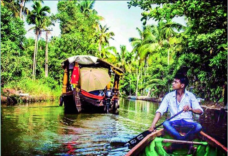 Daily life in the popular tourist destination of the backwaters of Alleppey