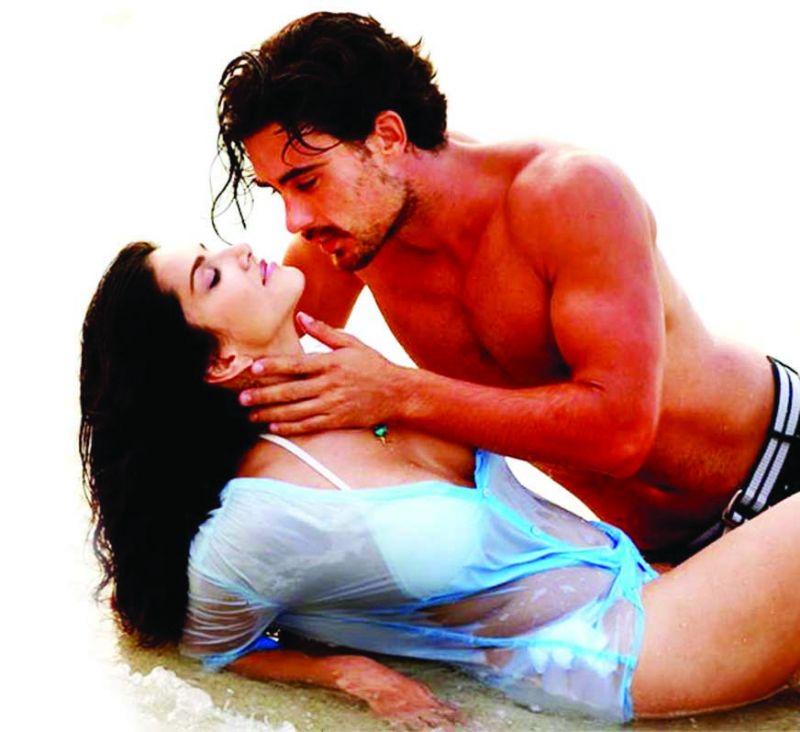 Manforce Condoms ad that stars Sunny Leone