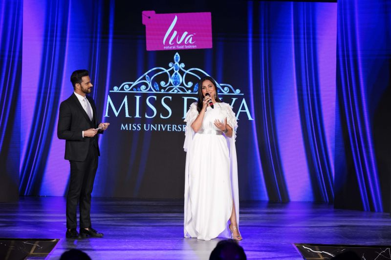 actor and renowned anchor Jitin Gulati with Miss Universe 2000 Lara Dutta.