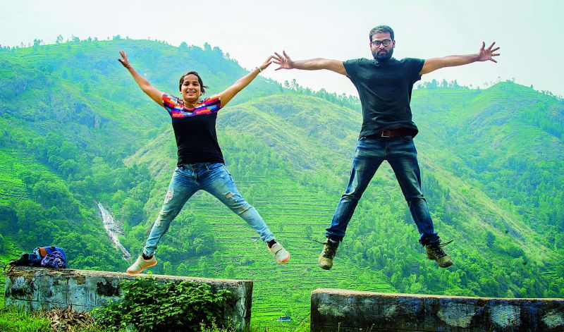 Ebin Ephrem Elavathingal and Johncy John, the crazy Indian couple, boasts of 10.4K followers on Instagram. They run a website and manage accounts on Facebook, Twitter and YouTube as well.
