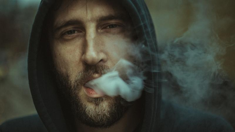 Quitting smoking decreases the risk of recurrent depressive episodes that can lead to hospitalisation. (Photo: Pixabay)