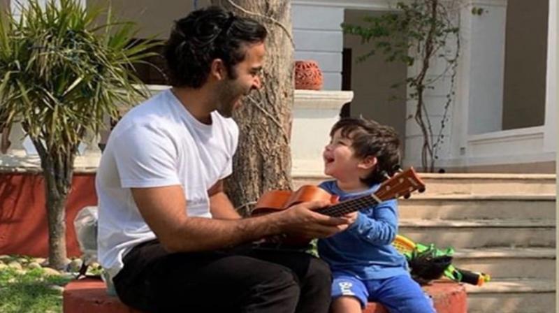 Taimur with Zahan Kapoor. (Photo: Instagram)