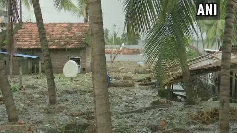 Earlier official data showed that 4,74,226 people were rescued from 584 villagers and evacuated to temporary 596 shelters in Pune, Sangli, Kolhapur, Satara and Solapur districts. (Photo: ANI)