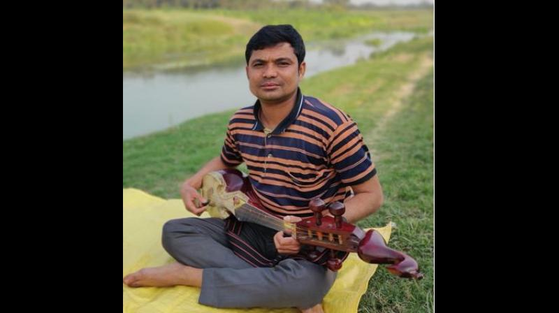 Mintu is a transcendent composer and musician in Bangladesh. He is famous for his combination of the contemporary beat with traditional theatrical Bengali folk music. — By arrangement