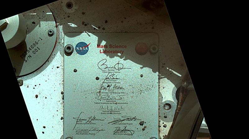 Signed, sealed, delivered. I carried @POTUS's signature to the surface of #Mars. http://go.nasa.gov/2jIeWVU #NASAPast8Years, Curiosity Rover tweeted. (Photo: Twitter)