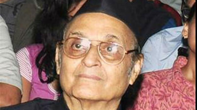 Terming mob lynching of a boy over chanting religious slogans as an 'insult of Hinduism', veteran Congress leader Karan Singh on Thursday stated that people involved in such acts should be ashamed of calling themselves Hindu. (Photo: File)
