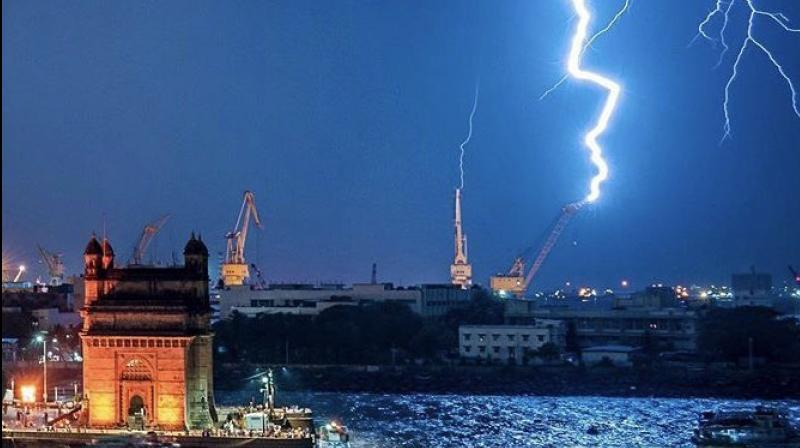Rains lashed Mumbai accompanied by thunderstorms. (Image courtesy: Twitter)