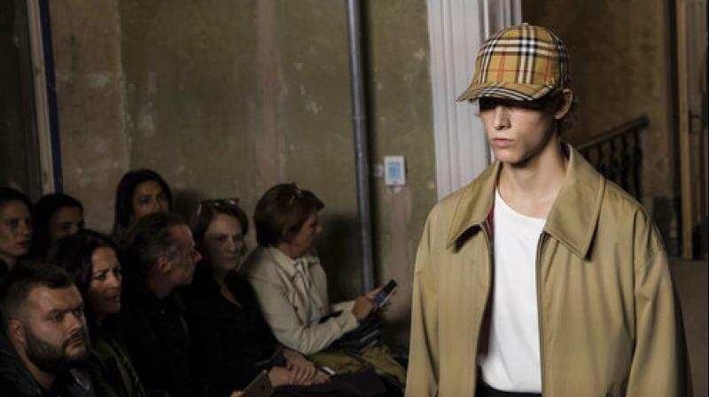 92500964021 London Fashion Week  Burberry brings back vintage check