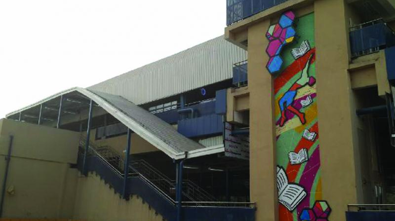 Painted walls of Jamia metro station
