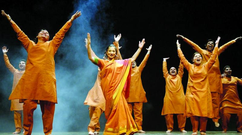 Classical dancers put on a performance.