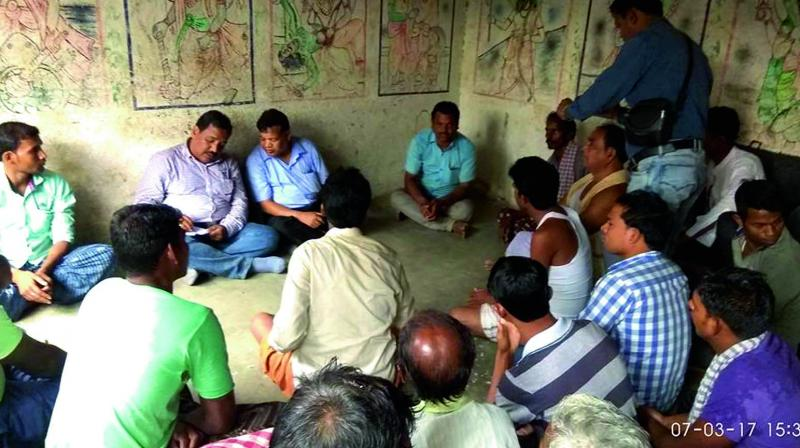 Two agriculture officials were forcibly made to write a report on the suicide of a farmer in Odisha's Bargarh. (Photo: Asian Age)