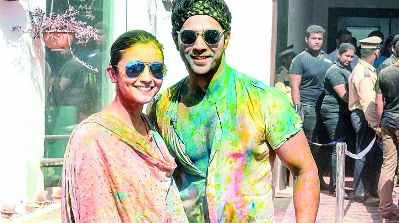 Many celebrities wear jeans while attending Holi parties as denim absorbs a lot of the colour, which is good for your skin.