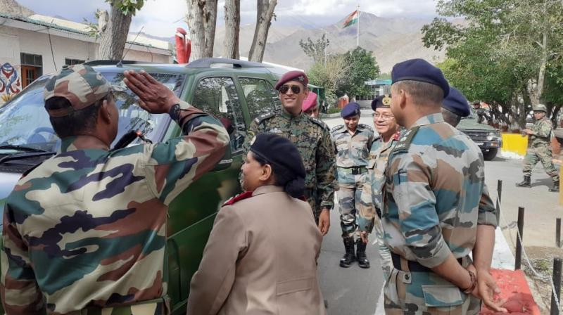 For Mahendra Singh Dhoni, nothing can be better than training with his Territorial Army regiment, and that too on the occasion of India's 73rd Independence Day in Ladakh. (Photo:DD national/twitter)