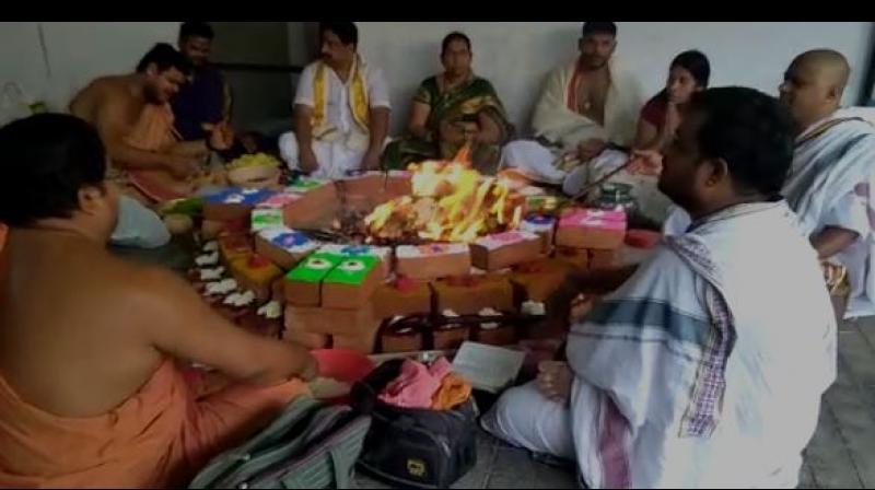 Venkanna, said he conducted a pooja and offered prayers to the Goddess Kali for a win of the Andhra Pradesh Chief Minister N Chandrababu Naidu. (Photo: ANI)