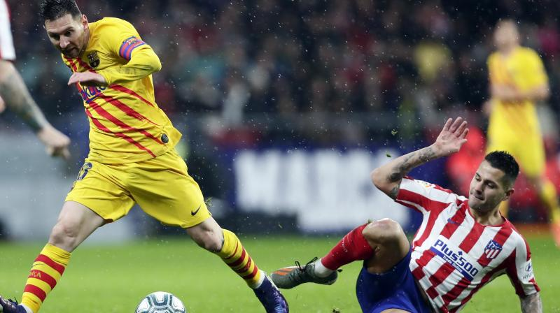 Lionel Messi delivered a major boost to Barcelona's La Liga title hopes by scoring a late winner in a 1-0 victory at Atletico Madrid on Sunday. (Photo:AP)
