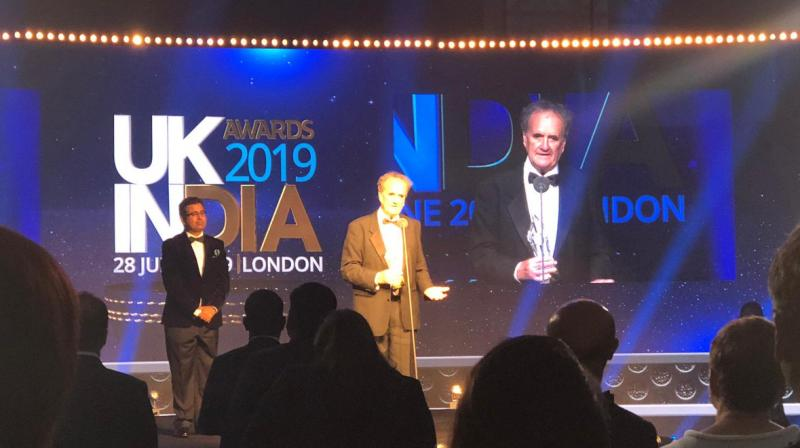 Tully, the former Bureau Chief of the BBC, New Delhi, received a standing ovation on Friday from the gathering as he said that being in India was his karma. (Photo: Twitter | @amongrut)