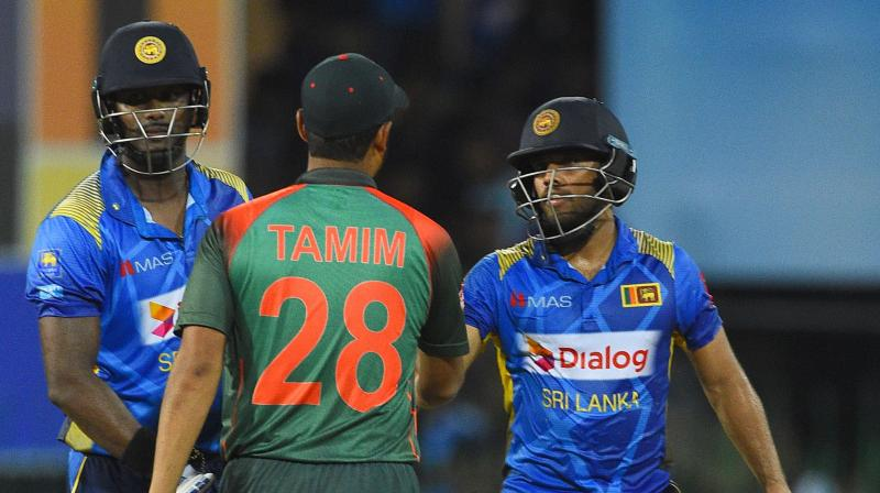 Choosing to bat after winning the toss, Sri Lanka made 294 for eight in 50 overs, riding on the innings of Angelo Mathews. He was well backed by Kusal Mendis who made 54. (Photo:AFP)