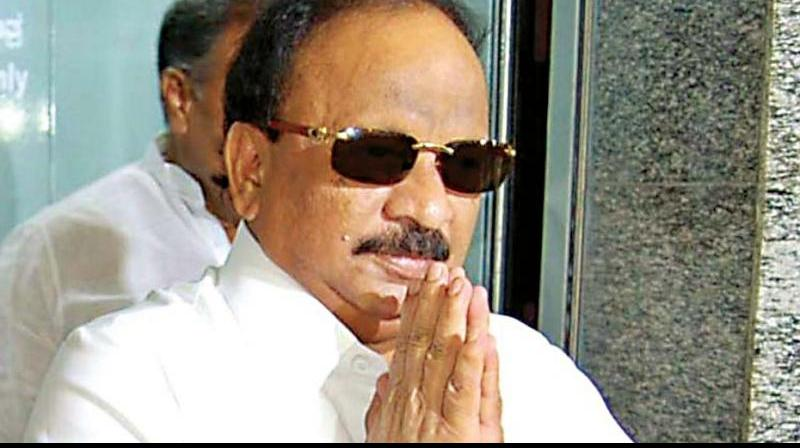Baig pointed fingers at KPCC President Dinesh Gundu Rao for conducting 'flop poll campaign' and also attacked CLP leaders including Siddaramaiah for the same. (Photo: File)